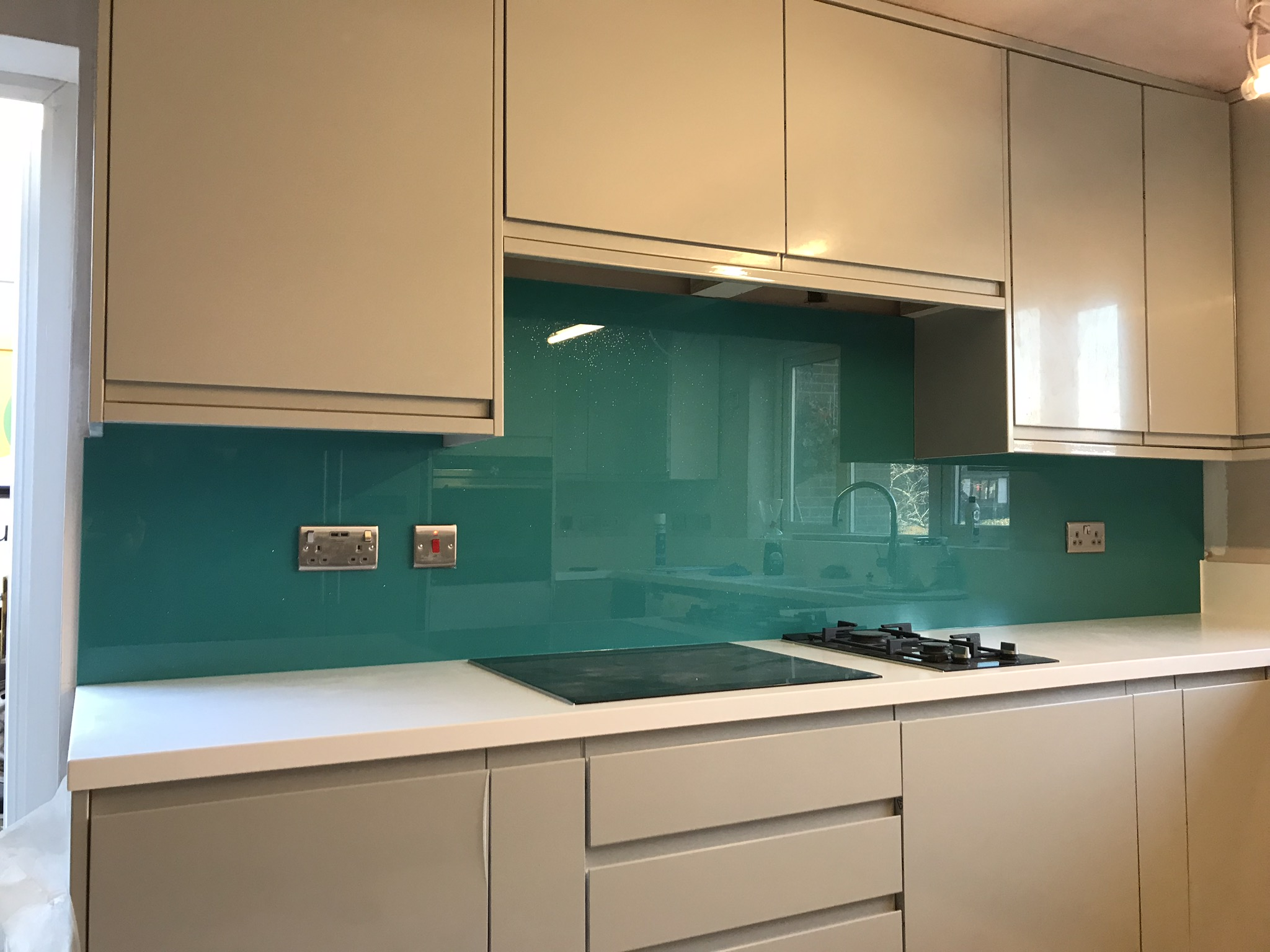 Optikote Coloured Glass Splashbacks, Wall Coverings and Worktops